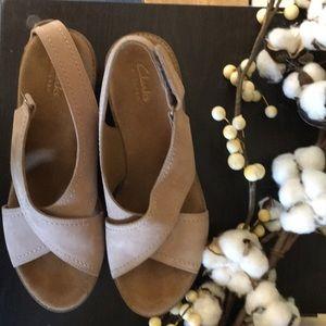 Clarks artisan tan 9 Annadel Eirwyn wedge sandal